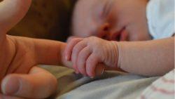L'effetto delle madri canguro e i bimbi nati prematuri