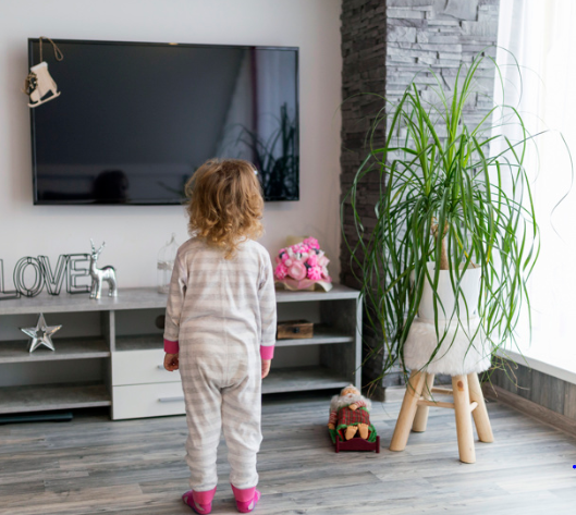 Bambini come ridurre il tempo davanti alla tv