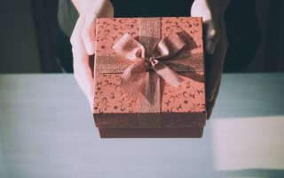 Acquisire stima di sé con la generosità