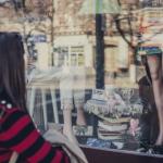 Comprare oggetti rende più felici?