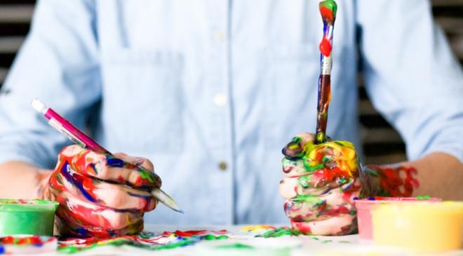 Pittura e abilità comunicative nei timidi