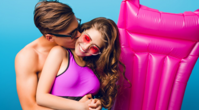 Fidanzatini molesti per le ragazze adolescenti